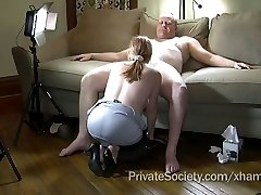 Wifey Agrees To Suck A Stranger's Manmeat