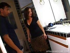 Santehniķis apmeklējumu māte