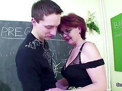 Mature School Teach show Young Stud How to Fuck right