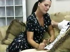 Stacey's Mom - Veronica Cfnm Hand-job