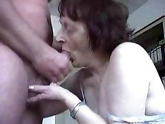 Močiutė Blowjobs Sudarymas