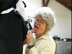 Močiutė Sušikti 2 Bičiukai pagal snahbrandy