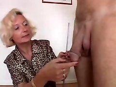 Italijos Granny turi 2 gaidžiai