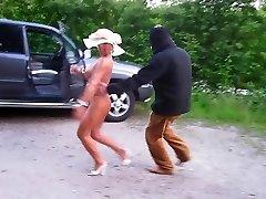 Γερμανικά μαμά γυμνή στο δημόσιο