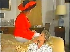 Retro Mature French Mummy loves fisting