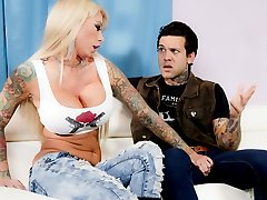 Lolly Inchiostro Mamme di Anarchia, Di Scena #01 - BurningAngel