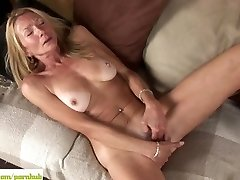 Old Cougar Pam Roberts Fingers Twat