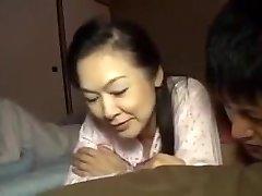 Prieš miegą su Mama Hotmoza