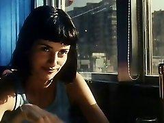 Penelope Cruz su plaukuota pažastų