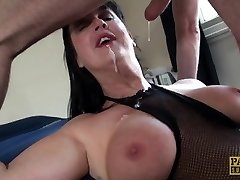 Carnivorous MILF Jessie Jo fed with Pascal�s stud meat