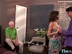Žmona squirts su kitu vyru