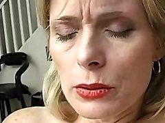 yaşlı sürtük orgazm