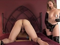 sey mature strapping a young guy with a huge ebony cock