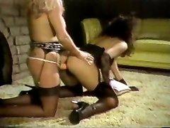 Linda Shaw ir Maria Tortuga fuck su Diržu Ant