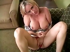 1fuckdatecom Solo 22 blonde cougar with meaty bo
