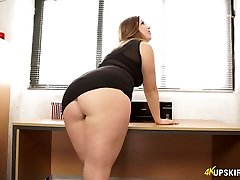 Wild mommy with great whooty Anna Joy showcases her buttocks