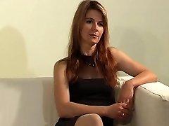 Volwassen Nicole Spanked EP