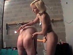 Maitresse kypsä avec un soumis