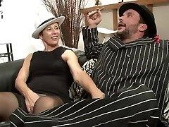 Prancūzijos Mafijos mėgsta gauti jų drėgnas penis