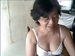 Nonna asiatica in cam