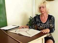 Brandus mokytojų masturbuojantis po pamokų