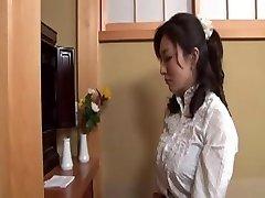 Japanilainen Äiti Kiinni Veljenpoika Nykiminen