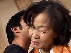 Šešiasdešimt gimtadienio Isogai Kimiko 64 metų