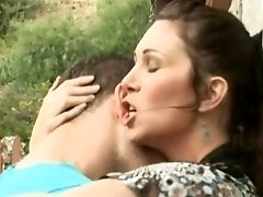 Hot Mature Hunting Cougar