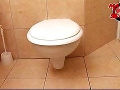 성숙한 화장실 slut-발레리(46)