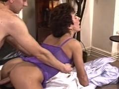 Kiimainen Vaimo Doggystyle Sekaisin Seksikkäitä Alusvaatteita