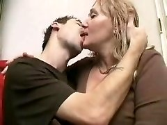 Mature women pegs young man with strap dildo