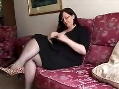 Hot Plus-size Mature shows great body