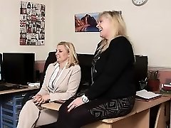 britse moeder vernedering. zie pt2 op goddessheelsonline