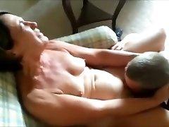 Cuckolding her Guy - Getting her Snatch Eaten