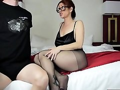 hot mom footjob und cumshot