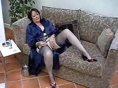 Suzie Mature Solo in Tights