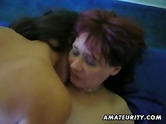 Amatöör FFM threesome näo cumshot