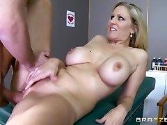 Brazzers - جوليا آن واحد ممرضة الساخنة
