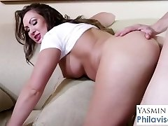 Aussie mommy Yasmin Scott gets interrupted by young stud