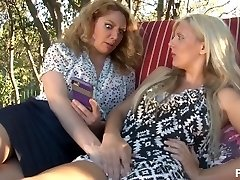 سکس با مامان 11 - صحنه 2