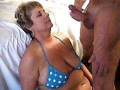 एक लोड उड़ाने माँ 1fuckdatecom