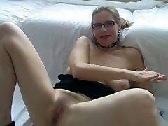 seksualus milf norėčiau pasimylėti su akiniais, žaisti su savo twat