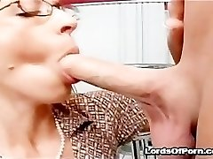 Crazy sex freak lærer Drunna med stor rumpe