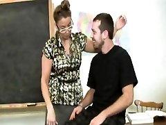 Brandus mokėjimo mokytojas daro studentų cum
