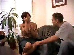 Kautrīgs Nobriedusi Sieviete saņem Savu Pirmo Lielo Krānu...F70