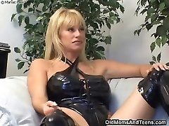 Latex lesbian mother in act