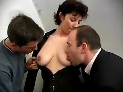 French mature getting Two weenies