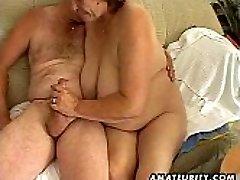 Išsipūtęs brandus mėgėjų žmona sucks ir fucks