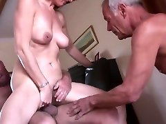 Inexperienced mature hotwife threesome