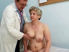 Mature fat vag Ruzena gynecology speculum bizzare clinic exam